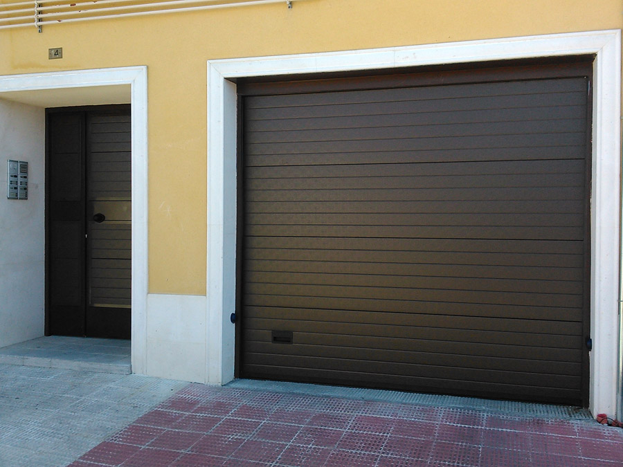 Puertas de garaje vintage de acero